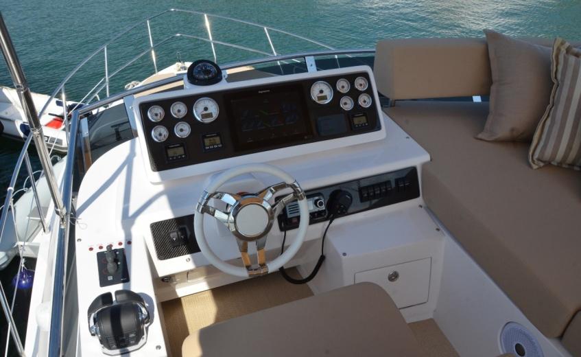 Nova Intermarine 45 é apresentada oficialmente